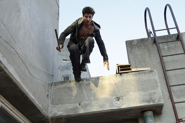 Parkour-mon-nghe-thuat-duong-pho-2_resize