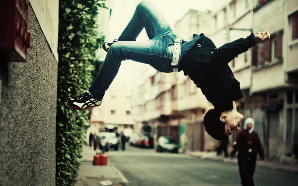 Parkour-mon-nghe-thuat-duong-pho-19_resize
