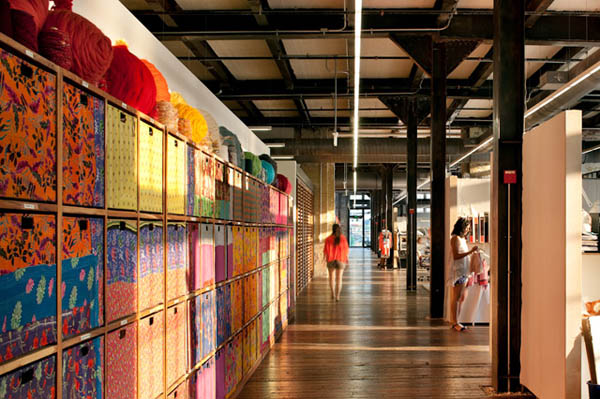 noi-that-van-phong-urban-outfitters-3