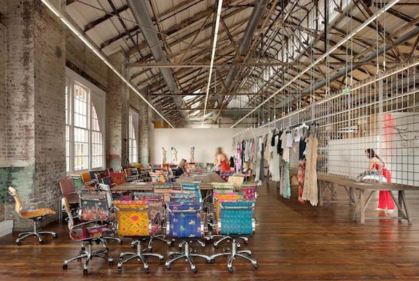 noi-that-van-phong-urban-outfitters-6