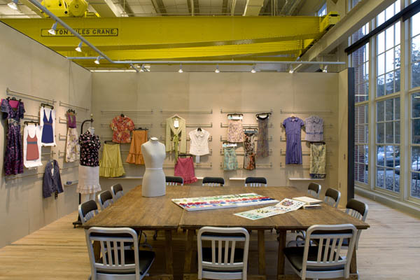 noi-that-van-phong-urban-outfitters-8