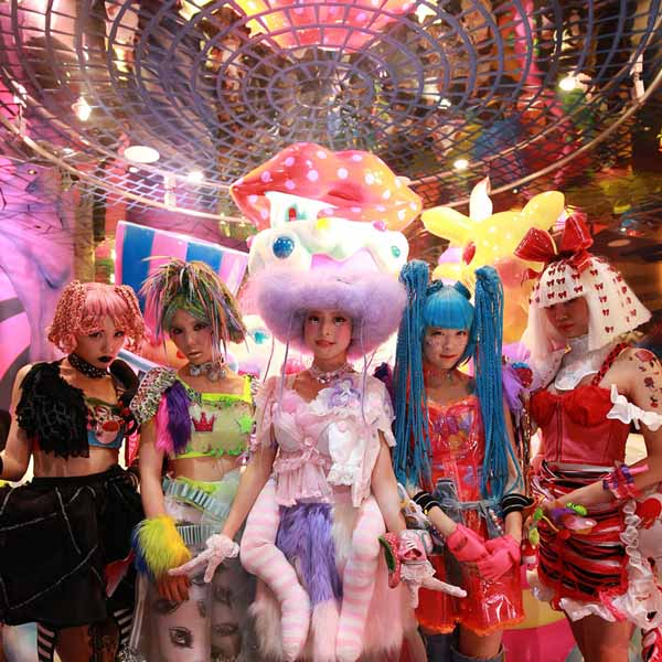 quan-cafe-kawaii-monster-11