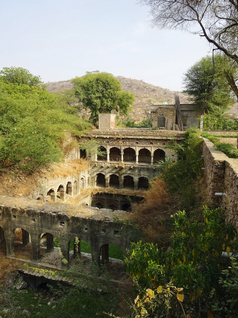 victoria-lautman-vanishing-stepwells-an-do