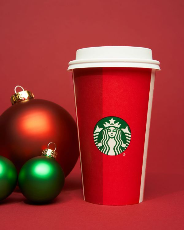 starbucks-ra-mat-holiday-cup-cua-nam-2018-06