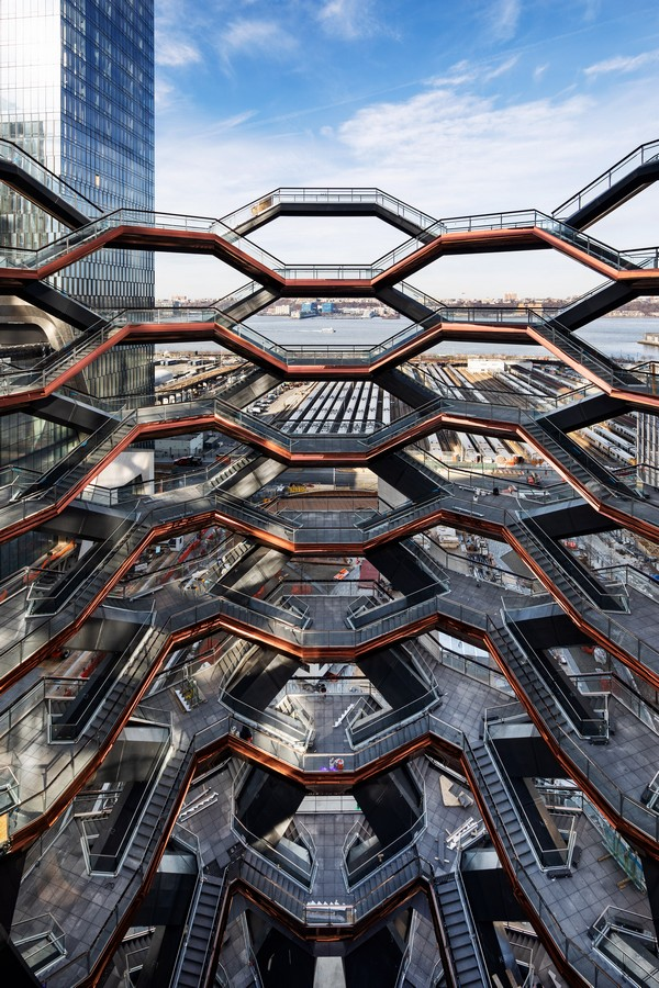 vessel-heatherwick-studio-architecture-hudson-yards-new-york-city-us_dezeen_2364_col_3-4